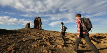 Hiking (doc, dari berbagai sumber)