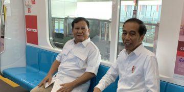 Joko Widodo bersama Prabowo Subianto di MRT