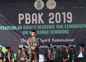 Imam Taufik memberikan sambutan di pembukaan Pengenalan Budaya Akademik Kampus (PBAK) UIN Walisongo 2019 (Amanat/ Hasib)