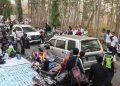 Kemacetan yang terjadi di sepanjang jalan penghubung Kampus II dan Kampus III (Amanat/Riduwan)