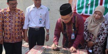 Rektor Imam Taufiq saat peresmian wall climbing UIN Walisongo, Selasa (17/09/2019) (Amanat/Riduwan).