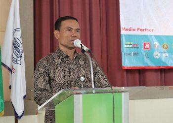Achmad Arif Budiman saat membuka acara PAg Kopma di Auditorium II Kampus III (3/9/2019) (Amanat/Hasib).