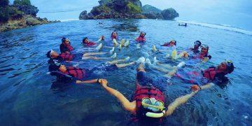 Pantai Ngmbor, Gunung Kidul, Yogyakarta (Sumber Foto: www.Mytrip123.com)