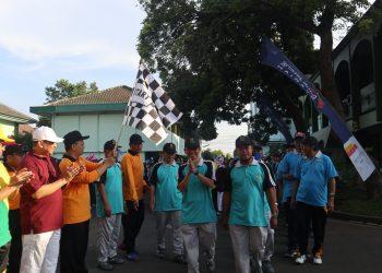Imam Taufiq Membuka Acara Jalan Sehat di Kampus I, Jum'at (07/03/2020) (Fitrya/Amanat).