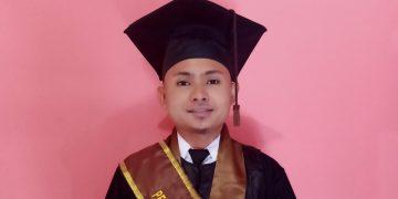 Nawas Ainun Najib Wisudawan Terbaik Fakultas Dakwah dan Komunikasi. (Dokumen Istimewa).