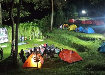 NU Backpacker Ungaran memperingati ulang tahun pertamanya di Vanaprastha Camp Area yang terletak di antara kawasan Candi Gedong Songo Bandungan, Kabupaten Semarang. (Doc. Sigit Aulia Firdaus)