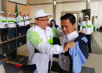 Rektor UIN Walisongo Imam Taufiq melepas peserta KKN Reguler ke 73. Selasa (08/10/2019) (Dokumen istimewa)